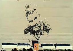 فیلم   طرح گرافیکی بینظیر انسانی از چهره شهید حاج قاسم سلیمانی در دانشکده افسری