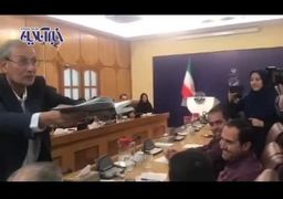 فیلم | عیدی نقدی سخنگوی دولت به خبرنگاران