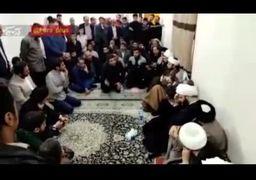 گلایههای تند مرد ماهشهری به نماینده رهبری: کار نیست، حرف هم بزنم، میشوم منافق یا میزننم یا میکشنم +فیلم