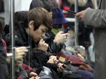 """84 درصد کاربران اینترنت در چین """"همراه"""" شدند"""