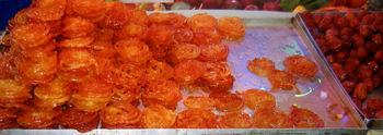 قیمت زولبیا بامیه در تهران 8500 تومان/دولت سهمیه مواد اولیه نداد