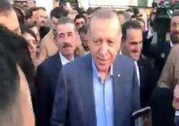 فیلم/ برخورد اردوغان با چند ایرانی در استانبول ترکیه؛ گذار ایران و آمریکا جنگ کنند
