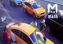 فضای بسیار عجیب داخل یک تاکسی در ایران +عکس