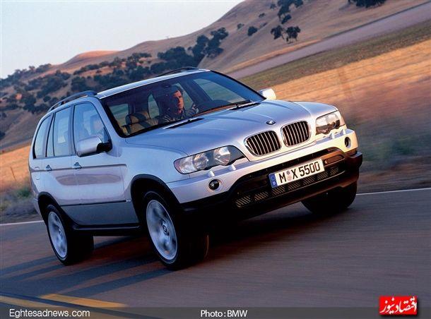 در سال 1999 با تولید مدل «اکس 5» بر اساس شاسی سری 5 ، اولین قدم برای تولید خودروهای شاسی بلند چهارچرخ متحرک با برند «بی ام و» برداشته شد.